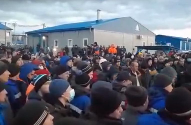 Russia: Gas Workers Protest in Yakutia